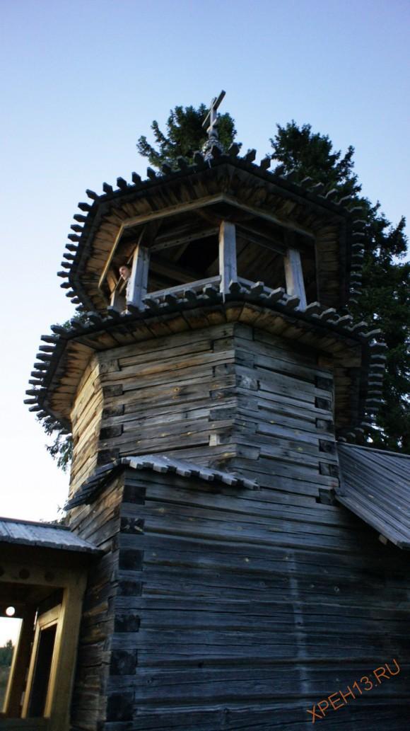 Карелия, Медвежьегорский район, д. Узкие. Часовня Косьмы и Дамиана. Лето 2013.