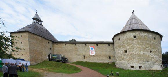 Климентовская и Воротная башни