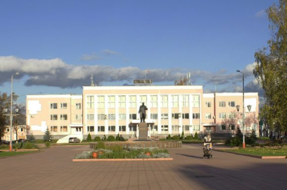 Памятник В.И. Ленину на Главной площади.
