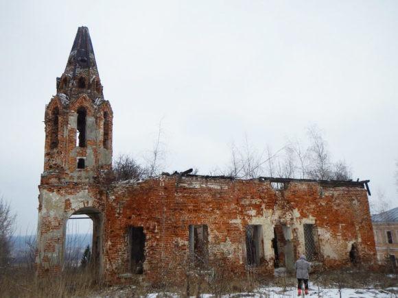 Церковь во имя Святой Живоначальной Троицы в Красино-Убережном,