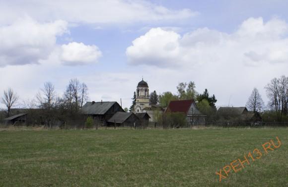 Церковь Петра и Павла на Петропавловском погосте, 1784-1806. Закрыта в 1941, в 1944 вновь открыта, снова закрыта в 1960. В настоящее время пустует.