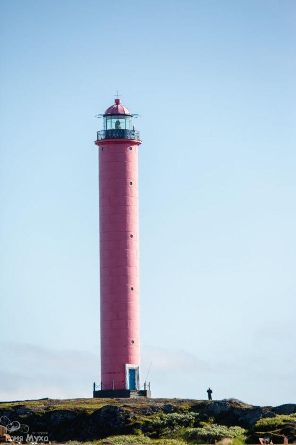 Маяк ВайдагубскийМаяк на мысе Немецкий. Самый северный маяк в России, действующий, недавно модернизированный по последнему слову техники.