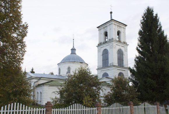 Церковь Богоявления Господня в Мишнево, выстроена в 1822 на средства прихожан. Закрыта после 1917. В 1940 открыта вновь и действует поныне.