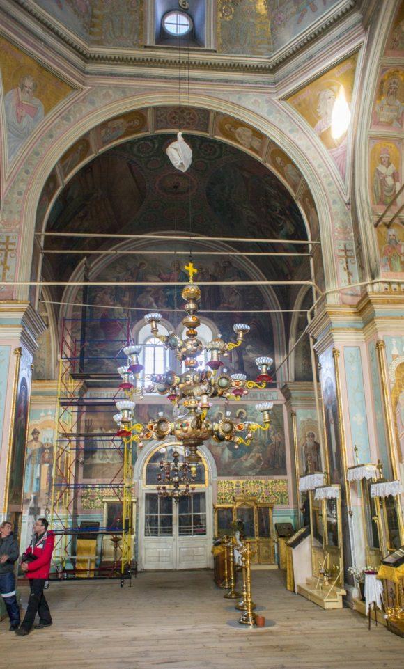 Паникадило в соборе Дмитрия Ростовского.