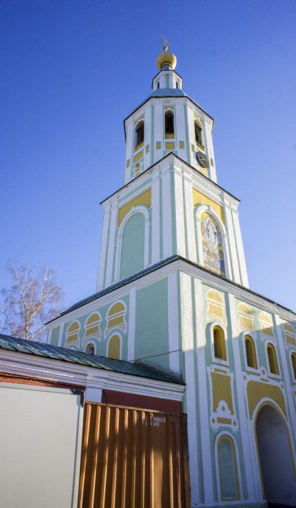 Надвратная церковь-колокольня Преображения Господня, 1774-1776.