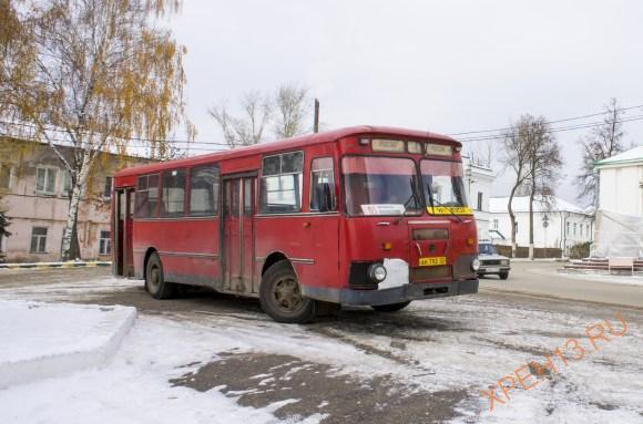 Давненько я не видела таких автобусов, а здесь их много. Когда проходили мимо так и захотелось запрыгнуть.