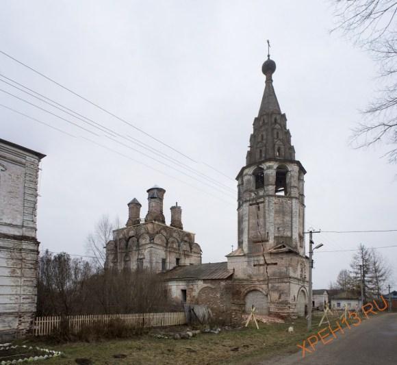 Изначально - храм мужского Воскресенского монастыря, основанного галичским князем Федором Семеновичем ок. 1335 и упраздненного в 1764.