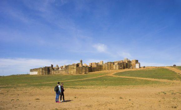 Подъезжаем к здоровой махине - воссозданному городу Сарай - Бату - столице Золотой Орды.