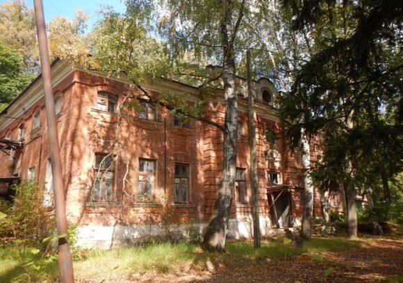 Усадьба Семеновское-Отрада, Московская область, Ступинский район, село Семеновское. Осень 2015.