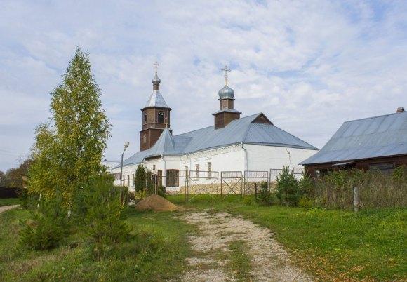Калужская обл, Износковский р-н, с. Шанский Завод. Осень 2015.