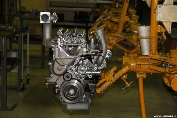 Двигатель ЗМЗ 51432.10 на сборочном конвейере