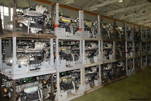 Стеллажи с двигателями для отгрузки в ПАО «ПАЗ»