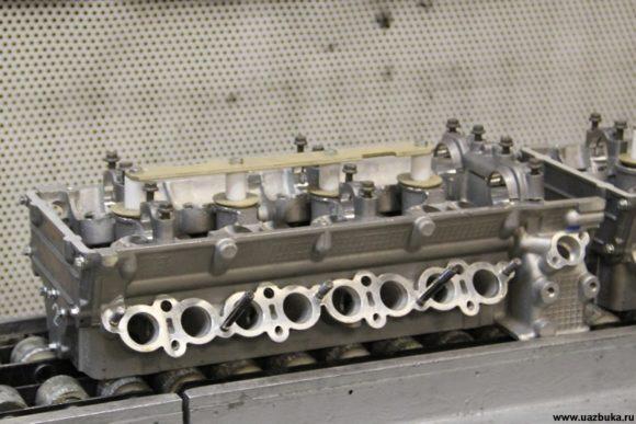 Головка блока цилиндров в сборе для двигателя ЗМЗ 40905.10