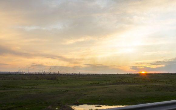 Взгляд на Новотроицк со стороны. промышленным городом, на его землях действует 20 крупных и средних предприятий,