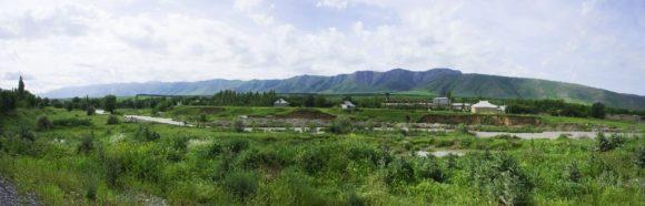 Разве похож этот пейзаж на то, что мы видели вначале перегона по Казахстану?!