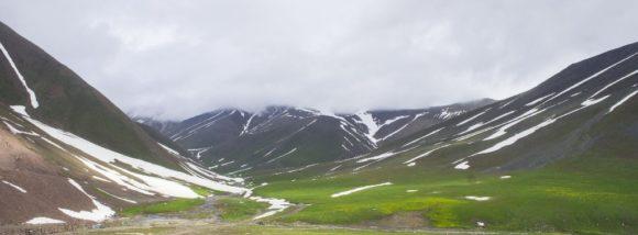 Как вдруг оказались в долине реки Чычкан - одном из красивейших мест Кыргызстана.