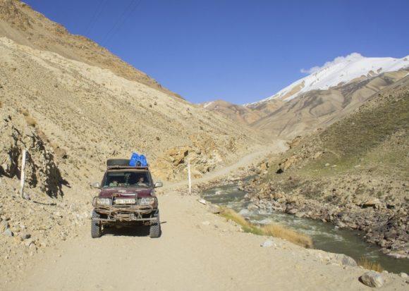 Ваха́нский коридо́р — узкая полоса земли в Восточном Афганистане, в районе Вахан провинции Бадахшан. Представляет собой суровую высокогорную территорию длиной около 295 км и шириной от 15 до 57 километров в долинах рек Памир, Вахан и Пяндж[1]. По договору между Британской и Российской империями, завершившему Большую игру в конце ХIХ века, Ваханский коридор было решено передать суверенному Афганистану, который стал буфером между российской Средней Азией и британской Индией.