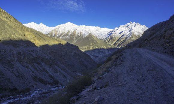 Таджикистан. Го́рно-Бадахшанская автономная область. Памирский тракт. Весна 2016.