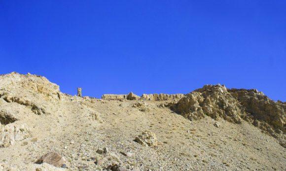 Еще одна крепость - Ках-Каха Основание крепости относится к Кушанскому периоду 2 века до н.э. В качестве оборонительного сооружения, крепость служила дп 7 века. Владыкой этой крепости был царь сиёпушев Ках-Каха.