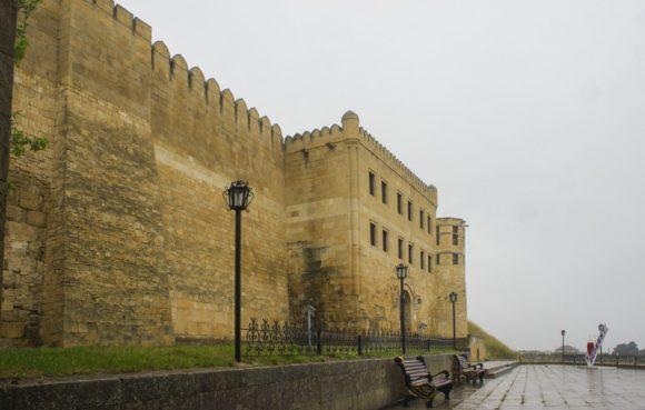 Главный вход в крепость.