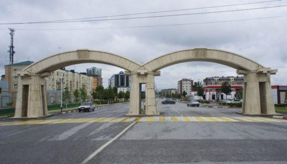 Вообще, когда едешь по Чечне создается ощущение общего благополучия.