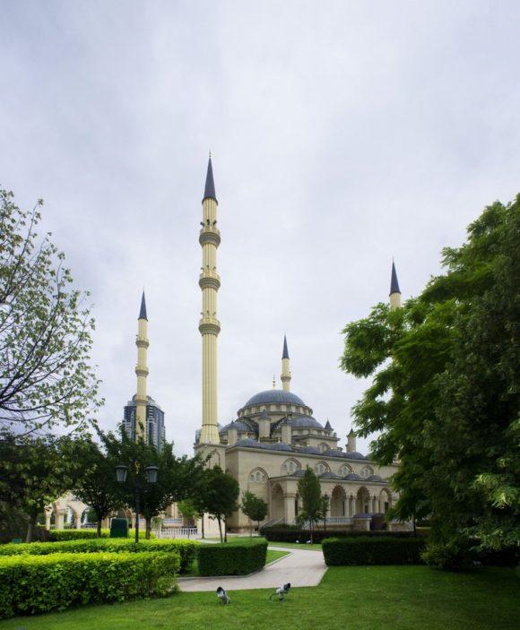 Мечеть «Сердце Чечни» — одна из самых больших мечетей мира. Открыта 17 октября 2008 года и названа именем Ахмат-Хаджи Кадырова