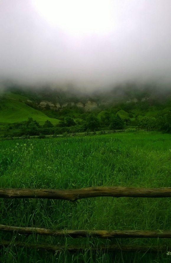 Несмотря на то, что продолжал идти дождь, а все вокруг крыло туманом, было красиво!