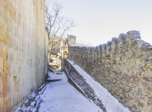 Грузия, крепость Ананури. Зима 2016.