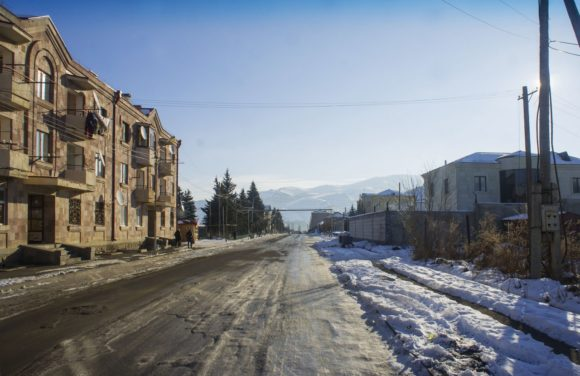 Армения, Лорийская область, г. Спитак. Зима 2017.