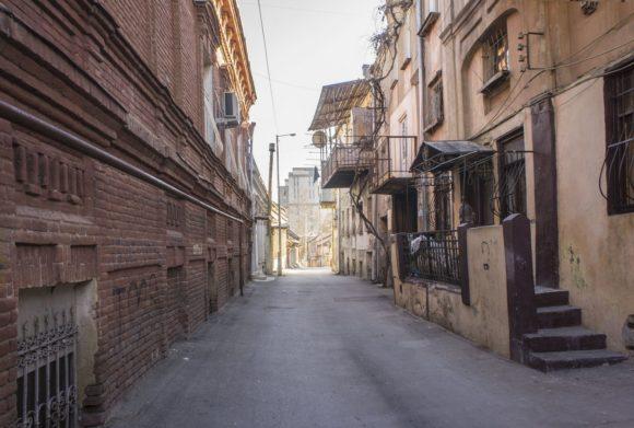Именно здесь живет дух настоящего старого Тбилиси. И он прекрасен!