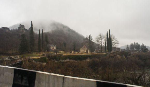 Хотели посетить Нокалакеви - город-крепость в западной Грузии, в Сенакском муниципалитете, столица Эгриси, место легендарного города Айа, куда по преданию приплыли аргонавты.