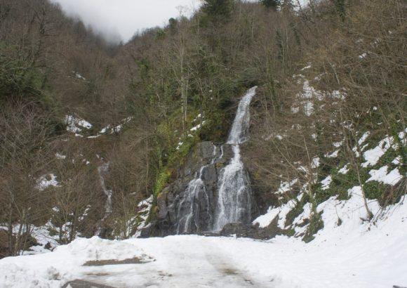 Живописные водопадики в округе.